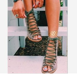 Nature Breeze taupe lace up ankle booties